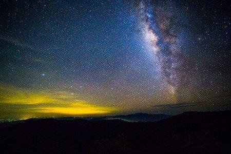 Указывает ли Библия на существование жизни за пределами Земли?
