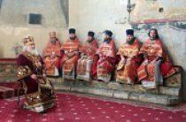 В день памяти святых жен-мироносиц митрополит Истринский Арсений совершил Литургию в Успенском соборе Московского Кремля