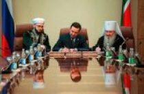 Подписано соглашение о сотрудничестве кабинета министров Татарстана с Татарстанской митрополией и Духовным управлением мусульман республики