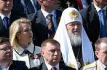 Святейший Патриарх Кирилл присутствовал на военном параде в честь 70-летия Победы