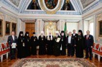 Святейший Патриарх Кирилл вручил церковные награды архиереям, настоятельницам женских монастырей и благотворителям