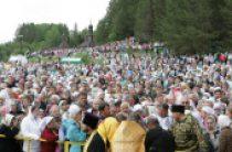 Состоялись торжественные богослужения на месте обретения чудотворного Великорецкого образа святителя Николая
