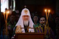 В канун Великой Среды Святейший Патриарх Кирилл принял участие в вечернем богослужении в Алексеевском ставропигиальном монастыре