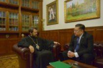 Митрополит Волоколамского Иларион встретился с послом Филиппин Карлосом Сорретой