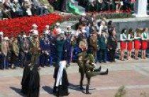 Патриарший экзарх всея Беларуси принял участие в возложении венков к монументу Победы в Минске