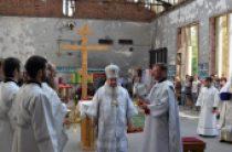 В стенах спортзала школы № 1 г. Беслана совершена Божественная литургия