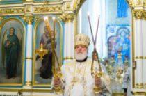 В праздник Рождества Христова Патриарший экзарх всея Беларуси совершил Литургию в Свято-Духовом кафедральном соборе города Минска