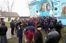 В.Р. Легойда: Ситуация с попыткой захвата экстремистами храма Украинской Православной Церкви в Ровенской области остается крайне напряженной