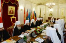 Священный Синод отметил исторический характер встречи в Гаване Святейшего Патриарха Кирилла и Папы Римского Франциска и одобрил подписанное по итогам встречи Совместное заявление