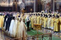 В день 1000-летия преставления святого равноапостольного князя Владимира Святейший Патриарх Кирилл совершил Литургию в Храме Христа Спасителя