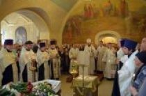 Митрополит Волоколамский Иларион совершил отпевание Е.Ю. Гениевой
