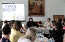 При поддержке Синодального отдела по благотворительности в Смоленской епархии провели круглый стол «Доступная среда»