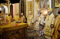 Предстоятели Русской и Болгарской Православных Церквей совершили Литургию в Покровском женском монастыре г. Москвы