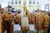 В канун юбилея Победы в Великой Отечественной войне Предстоятель Русской Церкви освятил храм Преображения Господня на Преображенской площади г. Москвы