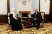 Состоялась беседа Святейшего Патриарха Кирилла с главой Республики Алтай А.В. Бердниковым