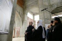 Святейший Патриарх Кирилл посетил строящийся Преображенский собор г. Салехарда