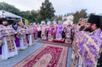 В праздник Воздвижения Креста Господня Предстоятель Украинской Православной Церкви совершил Литургию в Киево-Печерской лавре