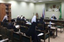 Разнообразие приходских общин и формы совмещения священнического служения со светской работой обсудили в Межсоборном присутствии