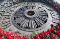 Митрополит Киевский Онуфрий принял участие в памятных мероприятиях, посвященных Дню Победы