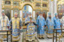 В праздник Минской иконы Божией Матери собор архипастырей Белорусской Православной Церкви совершил Литургию в Свято-Духовом кафедральном соборе Минска