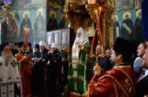 Святейший Патриарх Кирилл молился за вечерним богослужением в Пантелеимоновом монастыре на Афоне