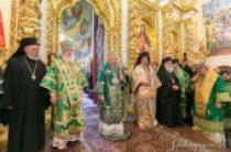 Митрополит Киевский Онуфрий в сослужении иерархов Поместных Церквей и епископата Украинской Православной Церкви совершил Божественную литургию в день 400-летия Киевской духовной академии