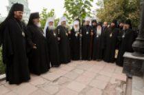 В Среднеазиатском митрополичьем округе молитвенно отметили 25-летие архиерейской хиротонии митрополита Ташкентского и Узбекистанского Викентия