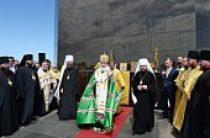 Святейший Патриарх Кирилл совершил молебен о гонимых христианах у подножия статуи Христа-Искупителя на горе Корковаду и посетил храм мученицы Зинаиды в Рио-де-Жанейро