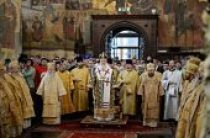 В день памяти святителя Петра, митрополита Московского, Предстоятель Русской Церкви совершил Литургию в Патриаршем Успенском соборе