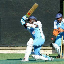 Католические священники и семинаристы играют в крикет