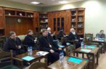 Продолжается работа по подготовке документов, посвященных приходским общинам и совмещению священства со светскими профессиями
