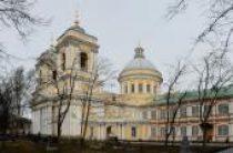 Святейший Патриарх Кирилл посетил Большеохтинское Георгиевское кладбище и Александро-Невскую лавру