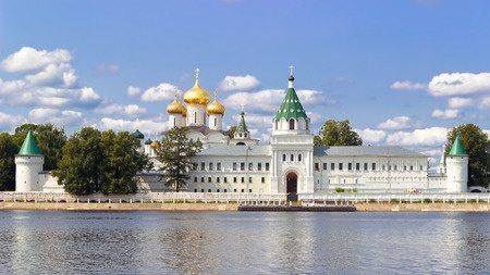 Свято-Троицкий Ипатьевский монастырь собор Кострома в России