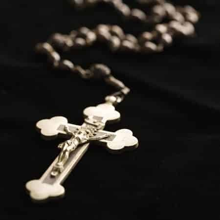 Можно ли крещенному ходить без креста?