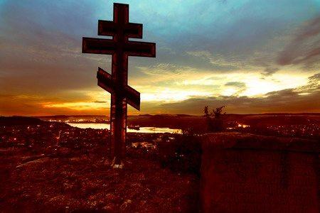 Из какой породы дерева был сделан Крест, на котором был распят Спаситель?