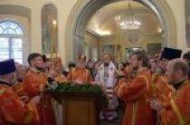 В день памяти святой Екатерины митрополит Волоколамский Иларион совершил богослужение в Екатерининском храме на Всполье — подворье Православной Церкви в Америке