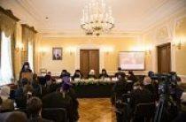 Духовенство и миряне Сибирского федерального округа обсудили принятый Архиерейским Совещанием документ «Об участии верных в Евхаристии»