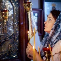 Какие молитвы читать жене за мужа